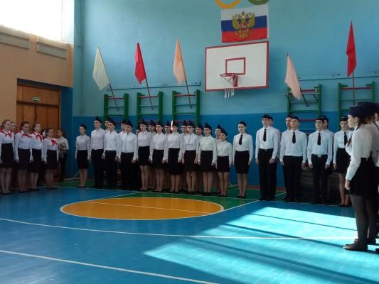 Сотрудники ИК-2 УФСИН России по Орловской области приняли участие в проведении смотра строя и песни в школе №4 г.Ливны