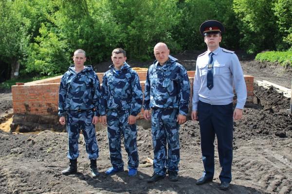 Сотрудники ИК-5 УФСИН России по Орловской области участвуют в  возведении часовни  в Урицком районе