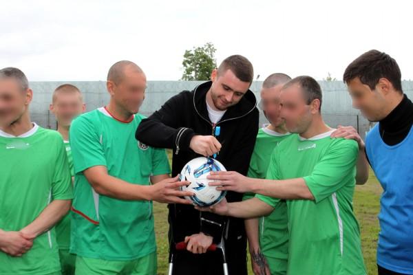 Известный футболист Александр Селихов посетил ИК-5 УФСИН России по Орловской области