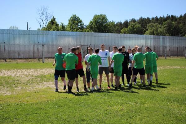 Сборная команда осужденных  ИК-5  УФСИН России по Орловской области  провела матч с футболистами «Империи спорта»