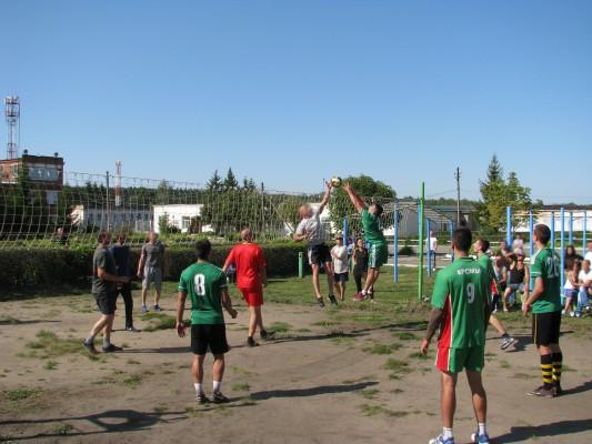 В КП-3 УФСИН России по Орловской области прошли соревнования по футболу и волейболу